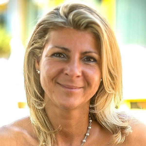 Marianne Deville